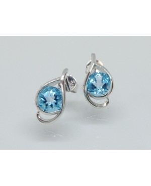 9ct White Gold & Topaz...