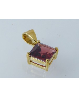 9ct Yellow Gold and Garnet...