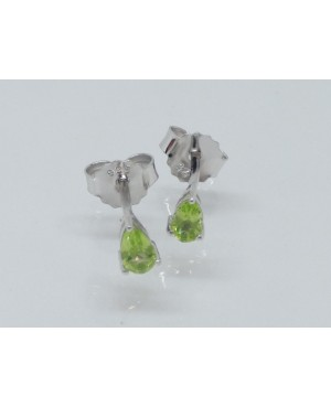 Silver & Peridot Pearshaped...